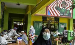 Pemerintah Janji Perbaiki Antrean Vaksinasi Lansia