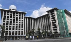 Kunjungan Jokowi ke Istiqlal Isyarat <em>New Normal </em>Rumah Ibadah