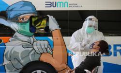 Surabaya Terapkan Jemput Bola <em>Swab Test</em>