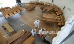 Tahanan di Ekuador Ditugaskan Buat Peti Mati
