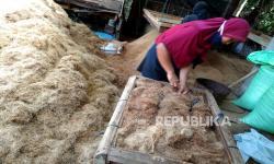 In Picture: Produksi Cacahan Sabut Kelapa Sisa Limbah