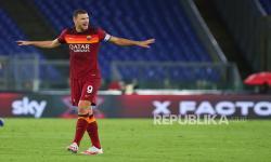 AS Roma Bakal Ditinggal Dzeko Dua Pekan