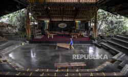 Alat Musik Saung Angklung Udjo Dilelang
