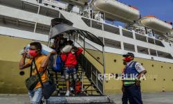 Vaksianasi Petugas Pelayanan Pelabuhan Dinilai Penting