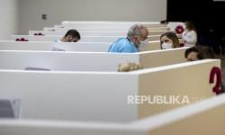 Dulu Tinggi, Kini Italia Boleh Lepas Masker di Ruang Publik