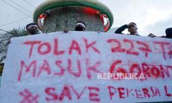 In Picture: Foto Aksi Tolak TKA China dan Dukungan Pembahasan RUU PKS