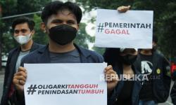 In Picture: Aksi Mahasiswa Refleksi 7 Tahun Pemerintahan Jokowi
