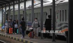 44 Perjalanan KA dari dan ke Jakarta Dibatalkan Selama PSBB