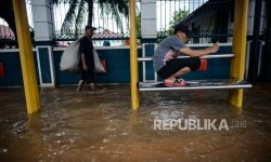 Usai Hujan Deras, Terbitlah Genangan Air di Jakarta
