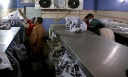 Duka Idul Fitri Keluarga Korban Pesawat Pakistan