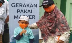 Hari Santri  Rumah Zakat Dorong Penggunaan Masker