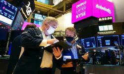 Wall Street Melemah Terseret Saham Bank dan Energi