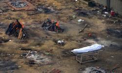 Kebanjiran Korban Meninggal Covid-19, India Kremasi Massal