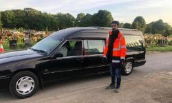 Pria Muslim Inggris Jadi Relawan di Pemakaman Tanpa Dibayar