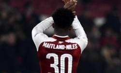 Manchester United Tolak Ainsley Maitland-Niles