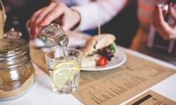 6 Manfaat Sehat Konsumsi Air Lemon
