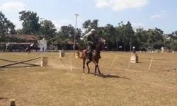 Pemanah Berkuda Unjuk Ketangkasan di Klaten