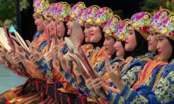Kiny Cultura Beri Sertifikat Unesco untuk Anak Berprestasi