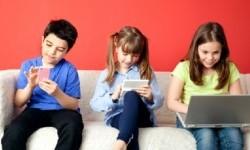 Konten Internet Berbahaya Kian Resahkan Orang Tua di Inggris