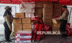 In Picture: Distribusi Bantuan Bahan Pokok dari Kemensos