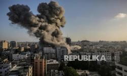 Puluhan Ribu Orang Mengungsi Hindari Serangan Udara Israel