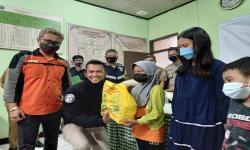 Tim Prabu Polrestabes Bandung-Zamedia Bagi Sembako