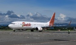 Alami Gangguan, Pesawat Batik Air Masih di Tengah Landasan