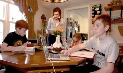 Darurat Kesehatan, <em>Yuk</em>, Belajar Bersama Orangtua di Rumah