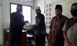 Muharram Berbagi Berkah Bahagiakan Guru Madrasah