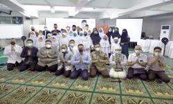 Selama Ramadhan, Anindya Bakrie Gelar Pengajian dan Santunan