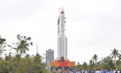 Roket Milik China akan Jatuh ke Bumi, Kapan dan Di Mana?