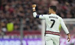 Cristiano Ronaldo melakukan selebrasi usai mencetak gol ke gawang Hungaria di Piala Euro 2020.Badan sepak bola Eropa alias UEFA memberikan pernyataan kepada seluruh tim Euro 2020 untuk mengingatkan kepada para pemain mereka tentang kewajiban kontraktual terhadap sponsor turnamen tersebut.