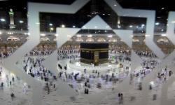 Saudi Izinkan Kapasitas Penuh Dua Masjid Suci