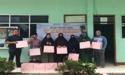 Hari Guru, BMH-Vanilla Hijab Salurkan 1.000 Bingkisan