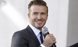 Beckham Bantah Penunjukan Phil Neville karena Pertemanan