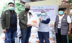 In Picture: Bantuan Paket Sembako untuk Warga Terdampak Covid-19