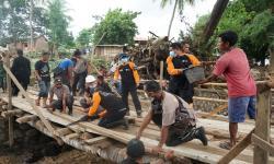 Muhidur Rahman, Ustaz Penyintas Bencana Flores Timur
