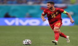 Eden Hazard dari Belgia beraksi selama pertandingan sepak bola babak penyisihan grup B UEFA EURO 2020 antara Finlandia dan Belgia di St.Petersburg, Rusia, 21 Juni 2021.