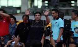 Pele, Maradona Menendang Bola Hingga Indonesia dan Akhirat