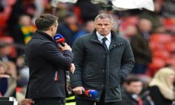 Sejumlah Bek Liverpool Cedera, Carragher Bercanda <em>Comeback</em>