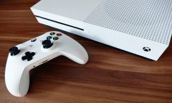 <em>Controller</em> Microsoft Xbox Seri S Bocor