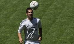 Real Madrid Persilakan Isco Gabung ke AC Milan