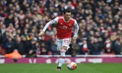 Oezil Tegaskan Bertahan di Arsenal Sampai Kontrak Berakhir