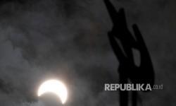 Data Gerhana Ungkap Rahasia Korona Matahari