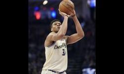 Antetokounmpo Menyesal Menanduk Lawan pada Laga NBA