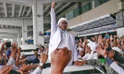KH Athian Ali: Habib Riziek Cuma Beda Cara Pandang