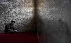Mengapa Amalan dari Seorang Zuhud Terasa Istimewa?