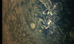 Misi Juno Ungkap Badai di Kutub Utara Jupiter