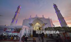 In Picture: Berbuka Puasa Gratis di Masjid Al-Hakim Padang
