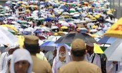 Indonesia Harus Serius Tangani Covid-19 Sebelum Haji 2022